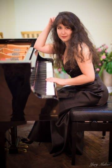 Наталья Гринес - фортепиано